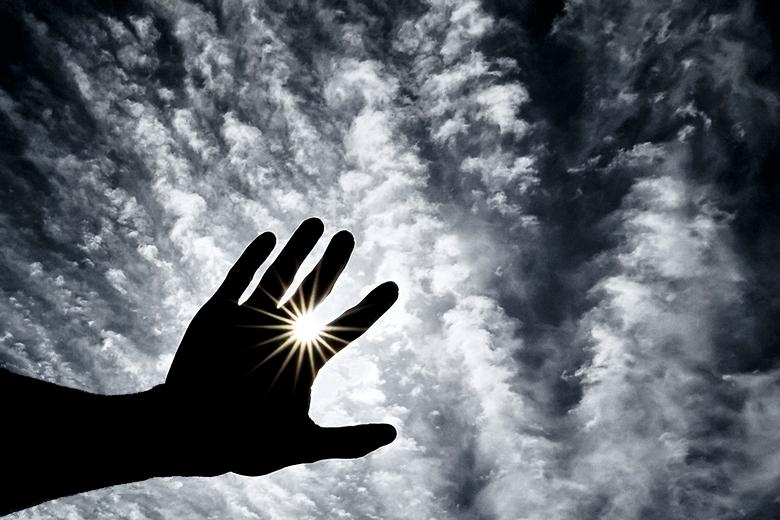 Sol entre las manos