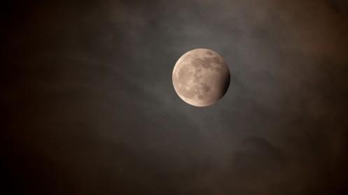 Moon-Night-Clouds-720x1280